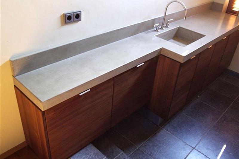 Wastafel Van Beton : Urbi et orbi traccia opbouw wastafel beton lichtgrijs ut